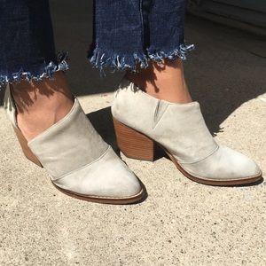 Shelly's London heels